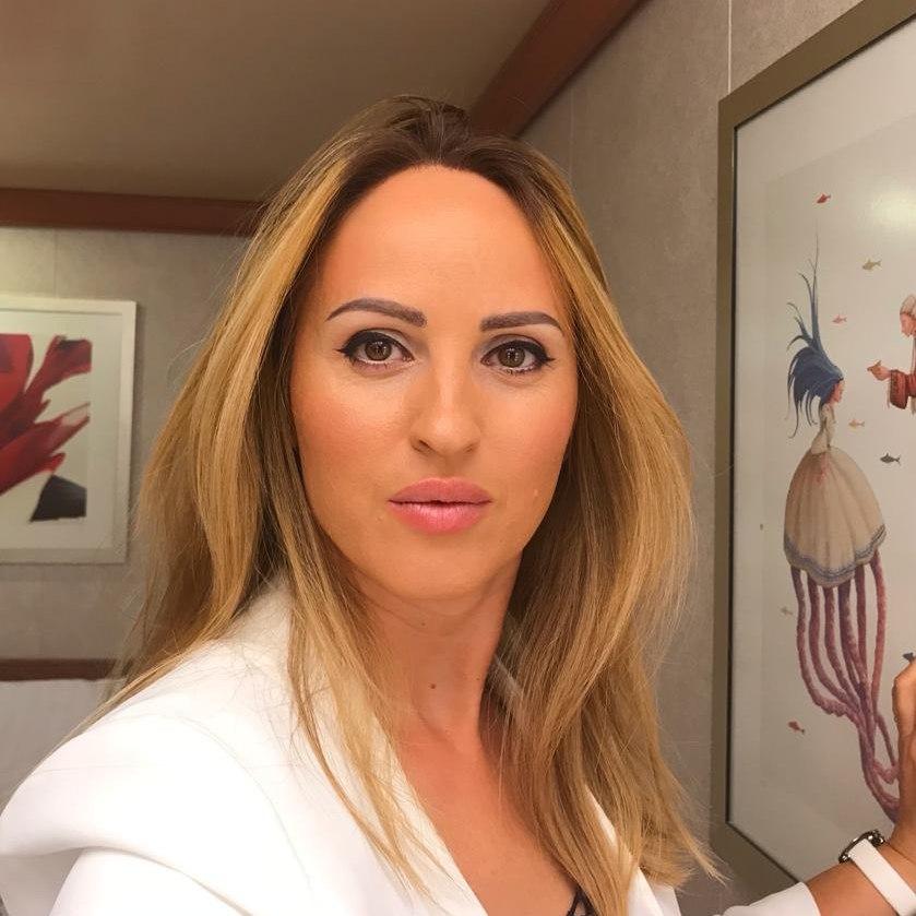 Elena Kerst Professional Makeup Artist In Otopeni Machiaj